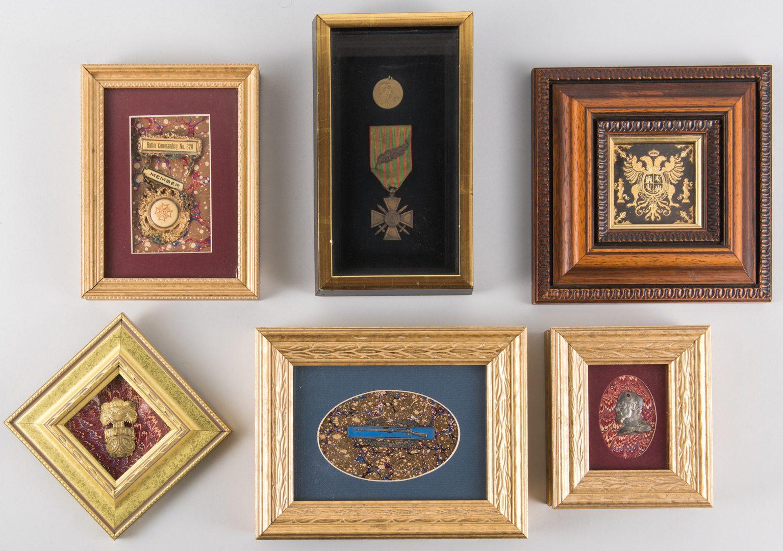 Lot 789: Framed Badges & Medals, incl. WWI