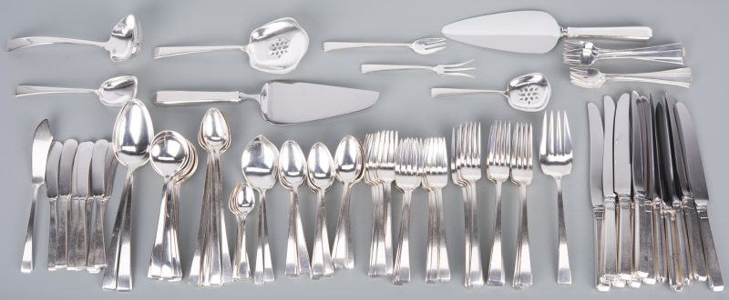Lot 78: Towle Craftsman Sterling Flatware, 123 pcs.