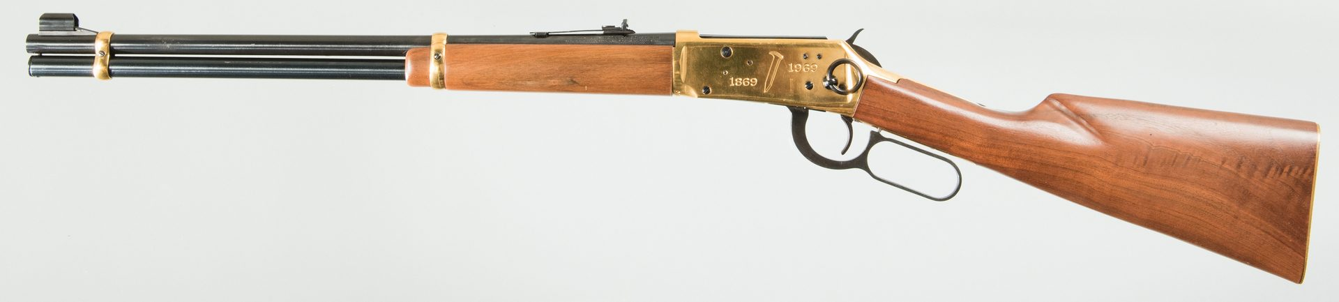 Lot 828: Winchester 94 Commemorative Lever Action rifle, 30-30
