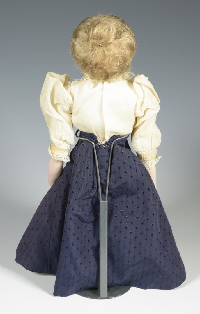 """Lot 869: J.D. Kestner """"Gibson Girl"""" Doll"""