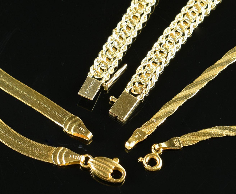Lot 887: 14K Necklace & 2 Bracelets