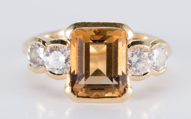 Lot 894: 18K Citrine Diamond Fashion Ring