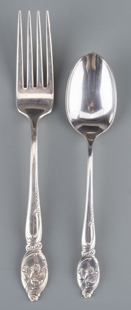 Lot 904: Westmorland Enchanting Orchid Sterling Flatware
