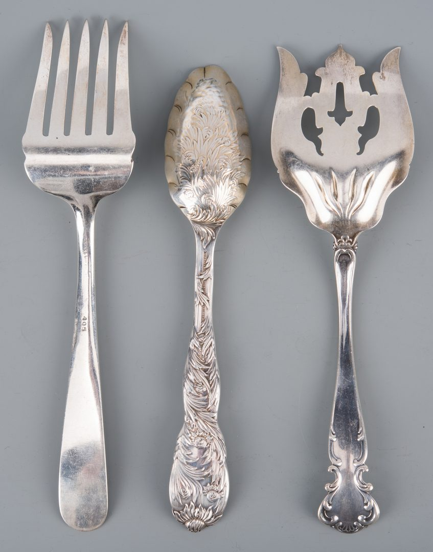 Lot 907: 64 pcs Assorted sterling flatware