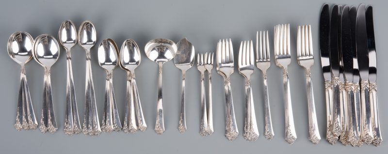 Lot 925: Oneida Damask Rose Sterling Flatware, 44 pcs.