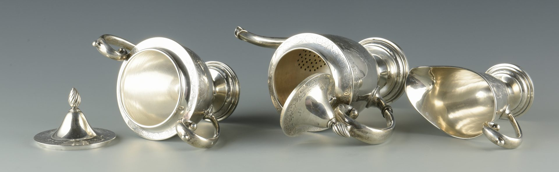 Lot 927: Meriden Sterling Tea Set, 3 pcs.
