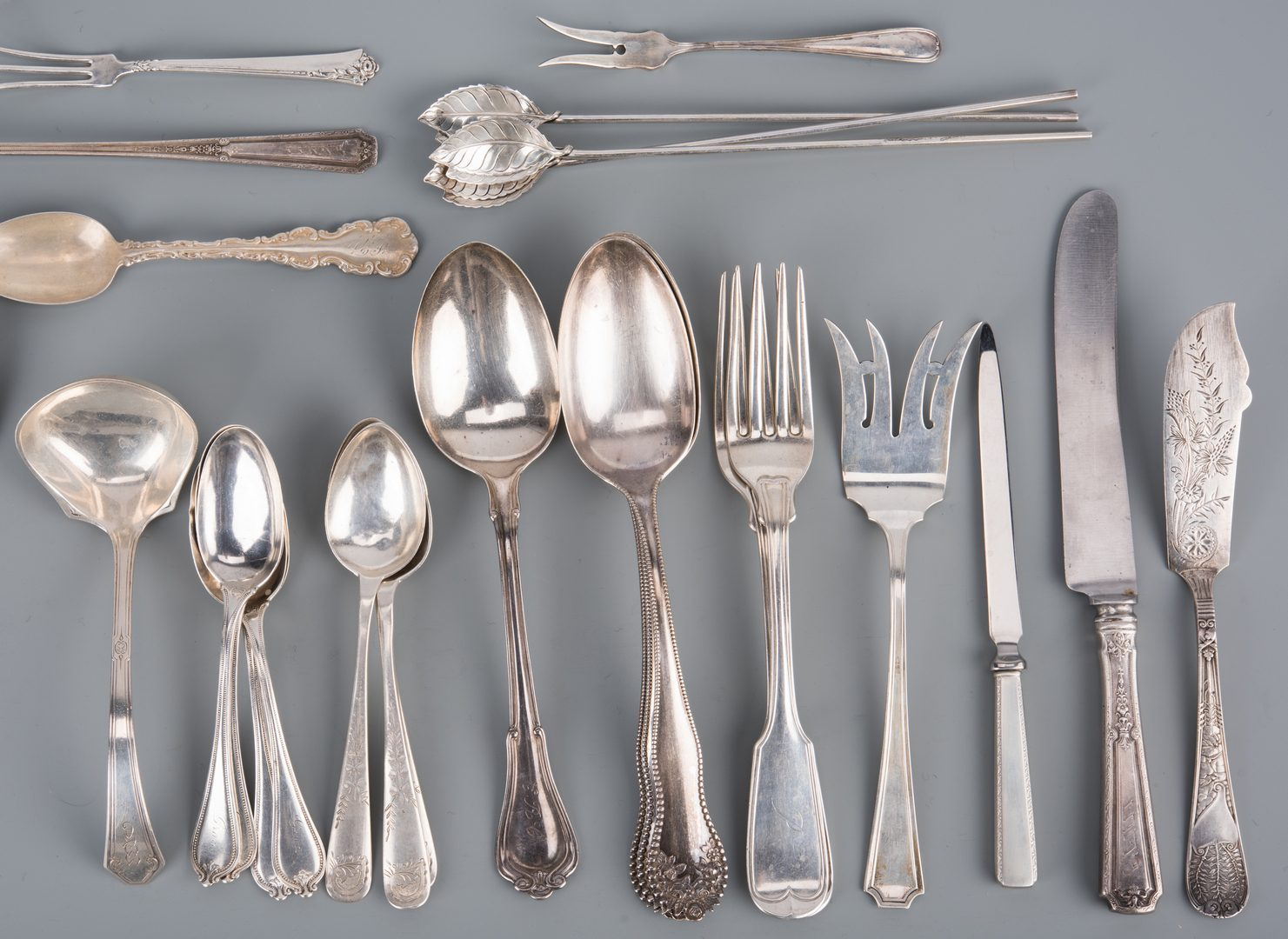 Lot 938: Assd. American Sterling, 39 pcs flatware