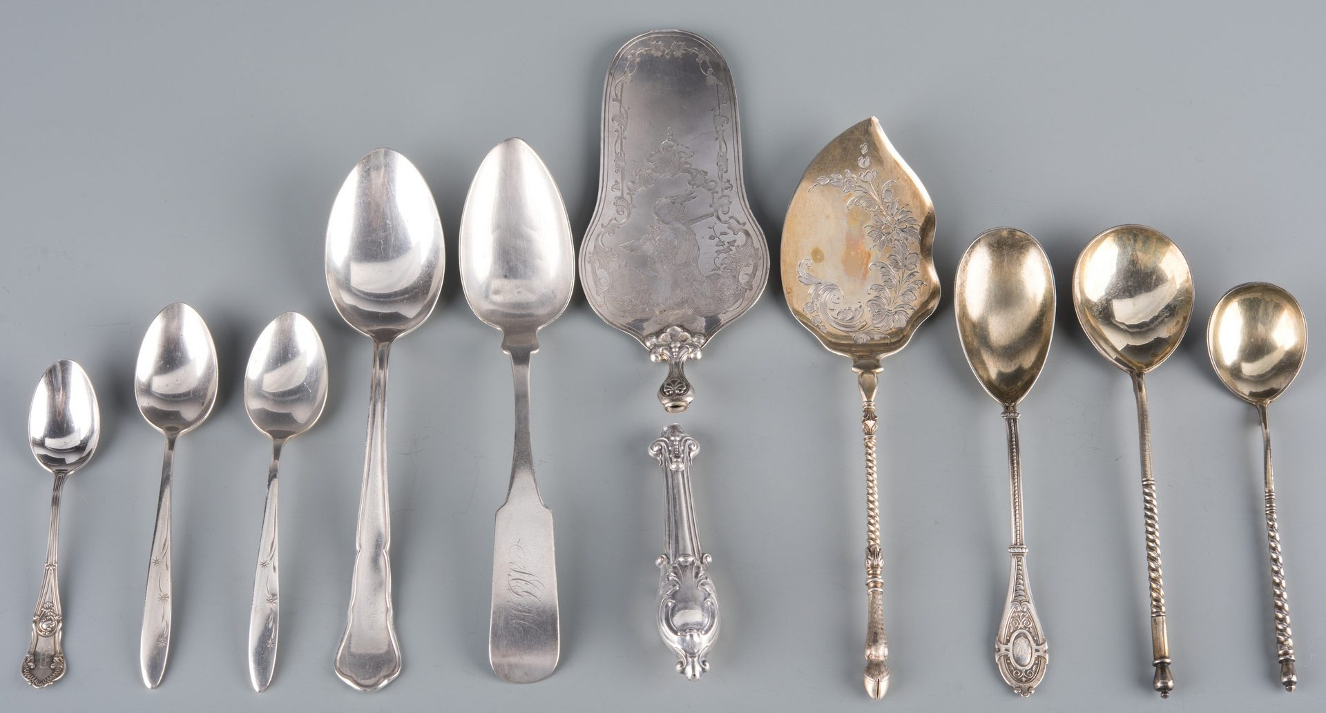 Lot 942: 10 pcs silver flatware inc. Russian