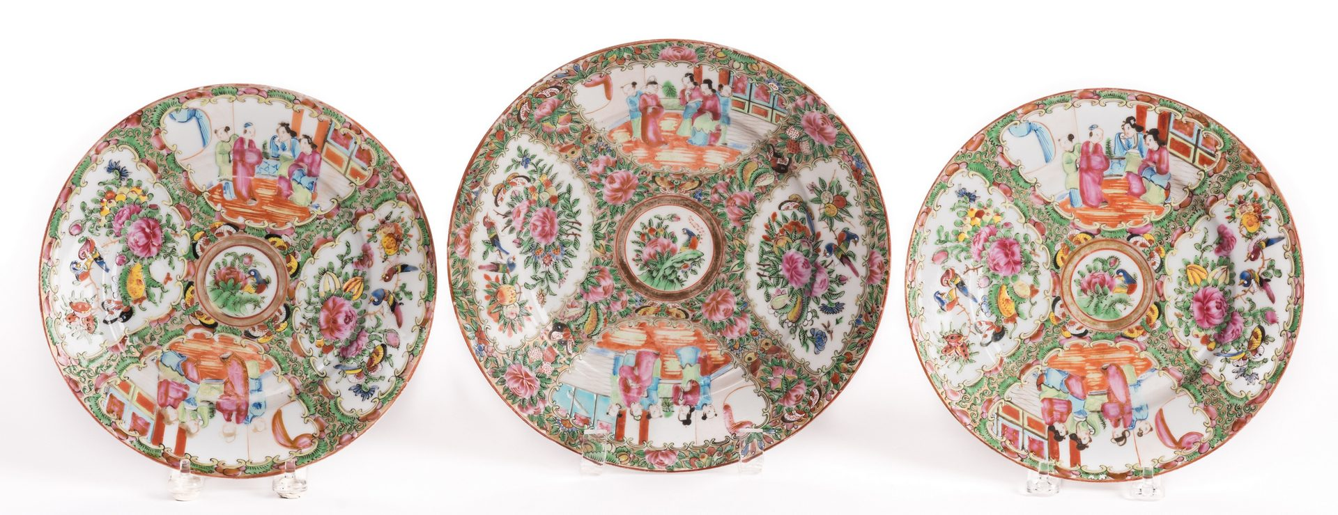 Lot 138: 8 Chinese Porcelain items, incl. Rose Medallion