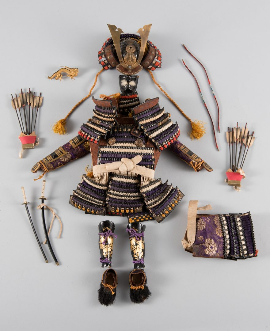 Lot 149: Japanese Kabuki and Emperor Dolls w/ accoutrements