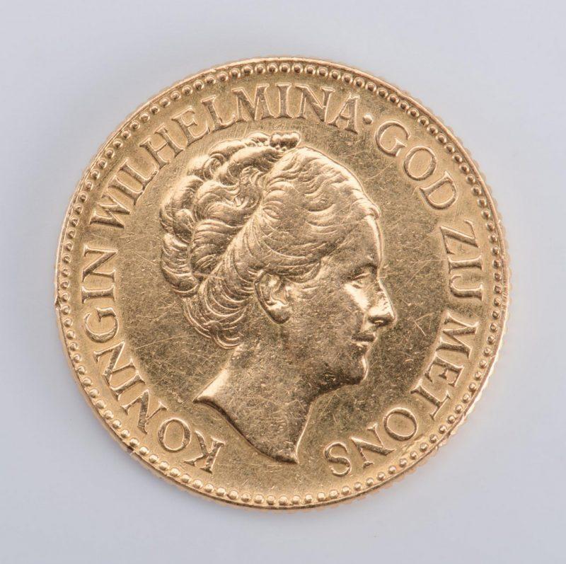 Lot 29: 1927 Dutch 10 Guilders Gold Coin