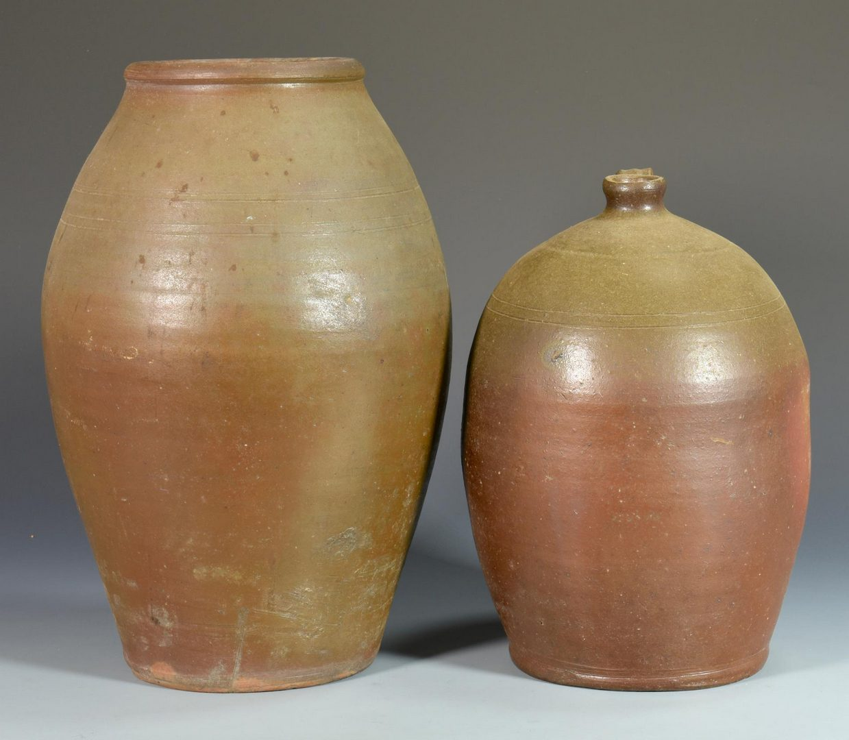 Lot 69: 2  Middle TN Stoneware Pottery Items