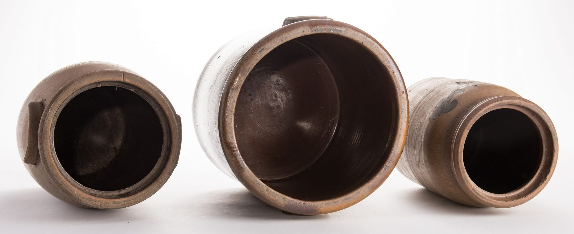 Lot 195: 3 Southern Stoneware Crocks w/Cobalt