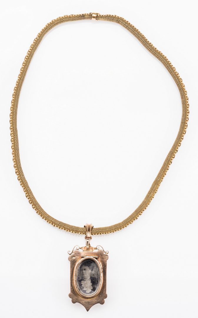 Lot 250: French 18k Victorian Gold Necklace, Locket