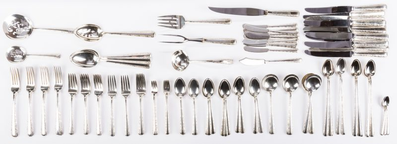 Lot 294: Towle Candlelight Sterling Flatware, 110 pcs