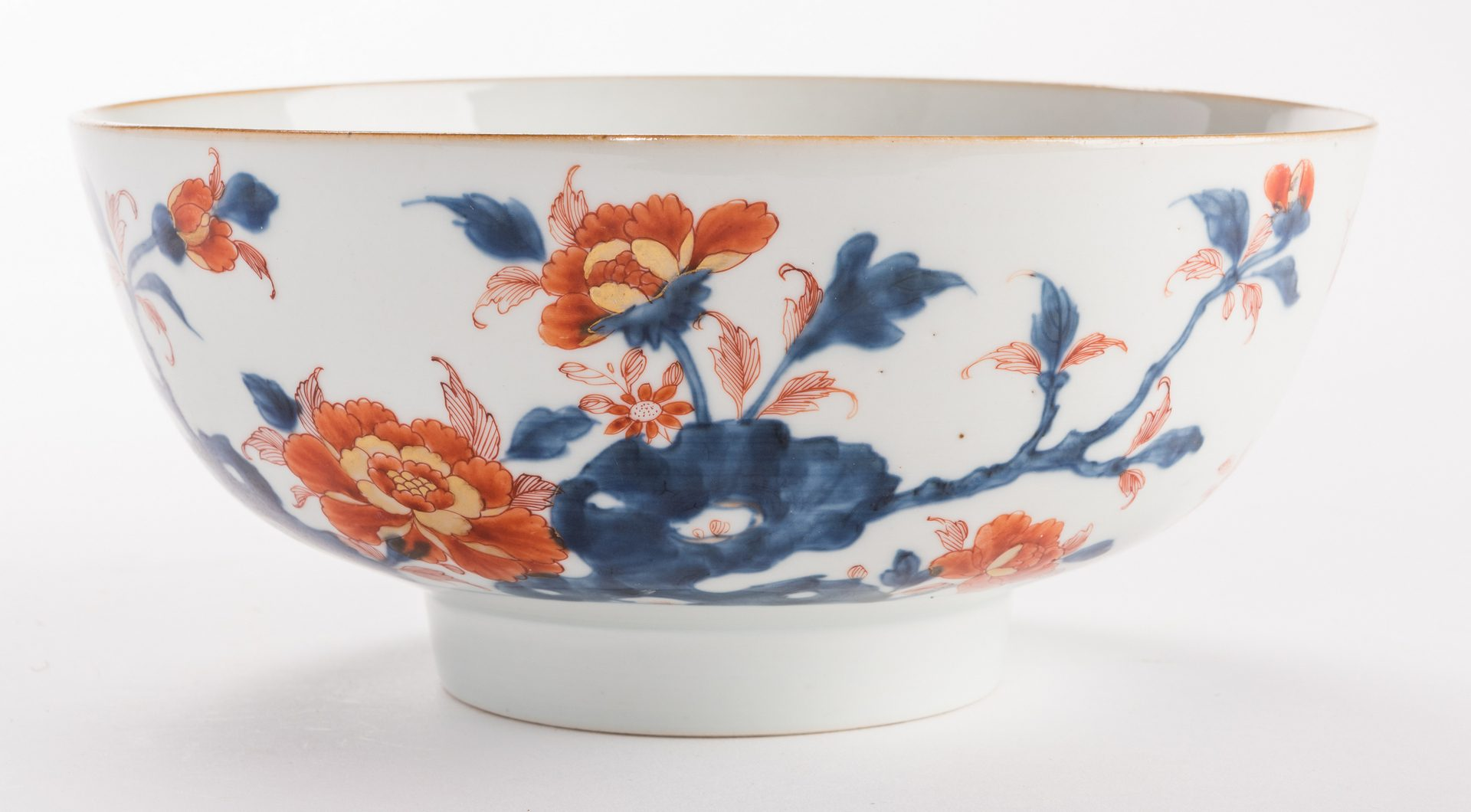 Lot 318: 2 large Chinese Imari Export Porcelain Footed Bowls, 18th c.