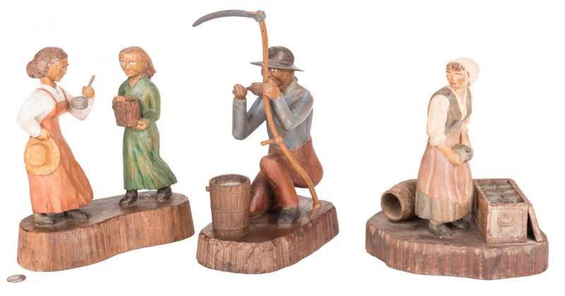 Lot 361: 3 Roy Pace Folk Art Carvings