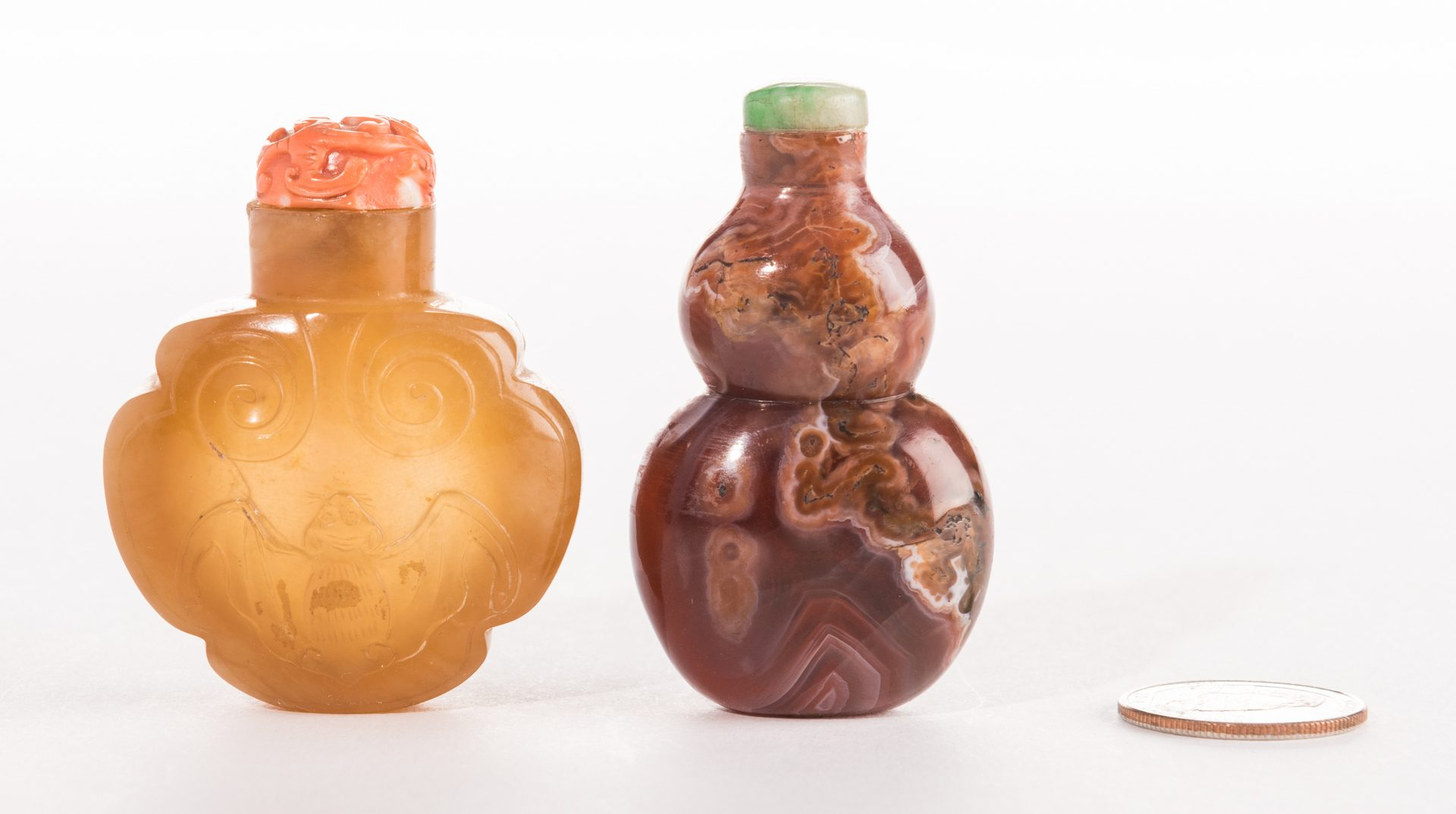 Lot 38: 2 Agate Snuff Bottles, inc. Double Gourd