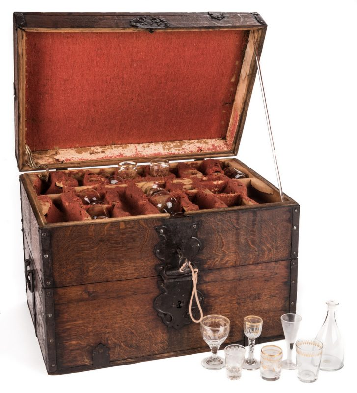 Lot 445: Revolutionary War Era Officer's Liquor Chest or Cellaret