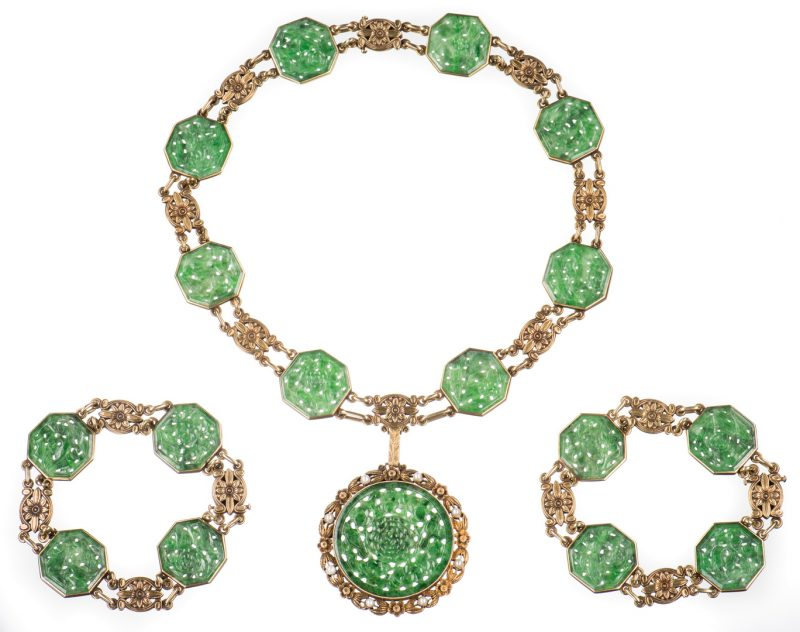 Lot 48: Tiffany Jade Pendant, Gold Demi Parure