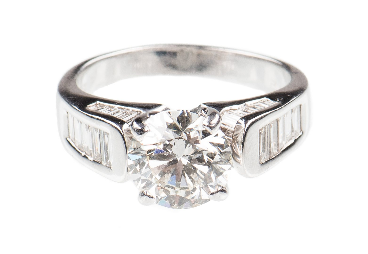 Lot 52: 2.53 ct. Round Diamond Ring