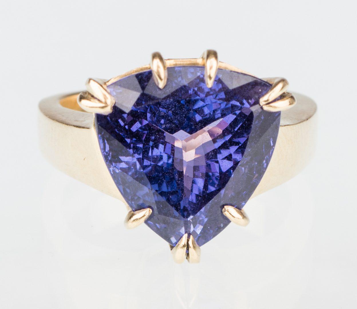 Lot 53: 18K Tanzanite Fashion Ring