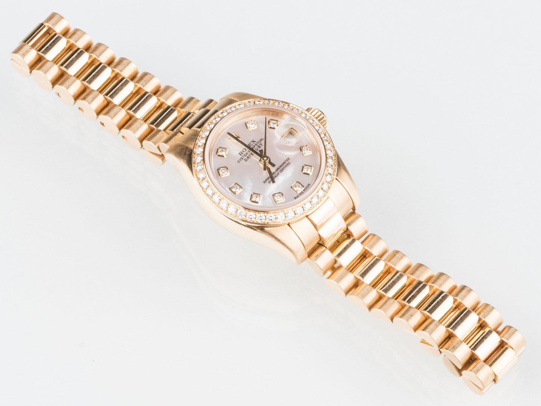 Lot 57: Ladies all 18K Rolex Datejust Diamond Watch