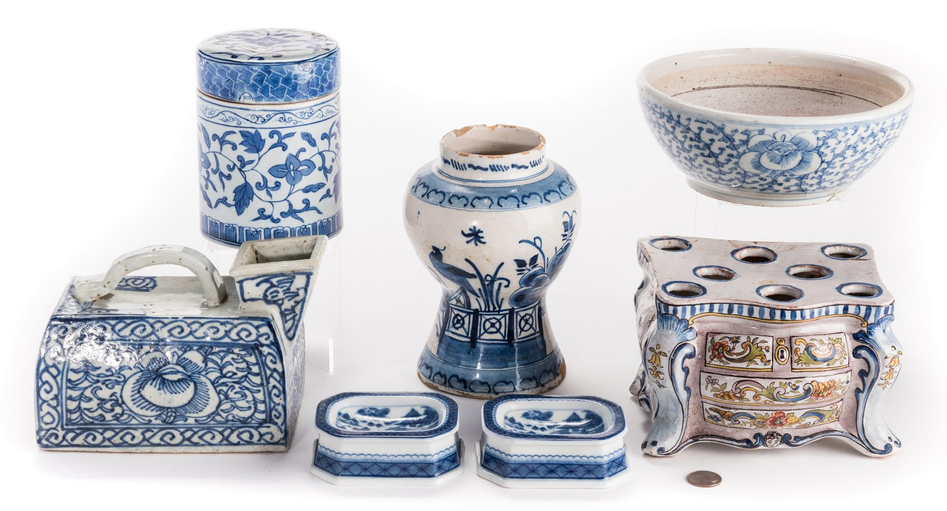 Lot 644: Blue & White Ceramics, 7 pcs