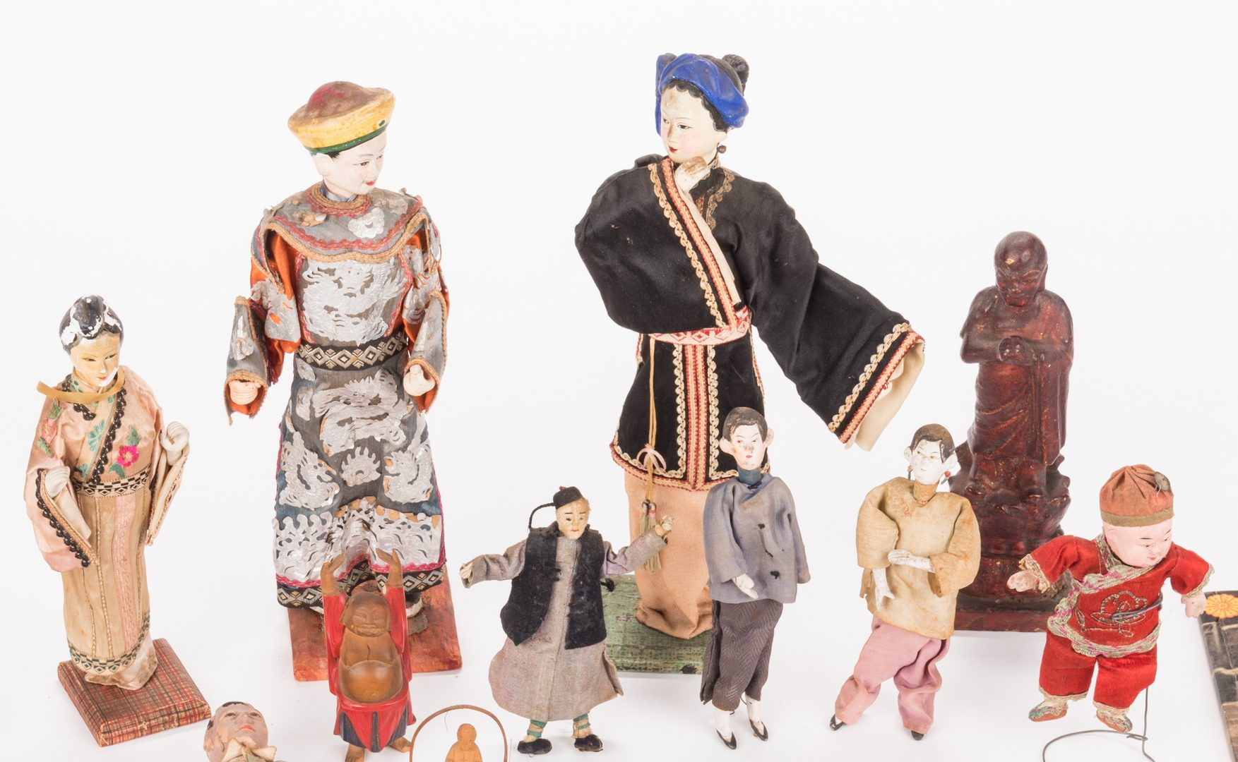 Lot 649: 16 Vintage Chinese Dolls, Accessories & Carvings, 17 items