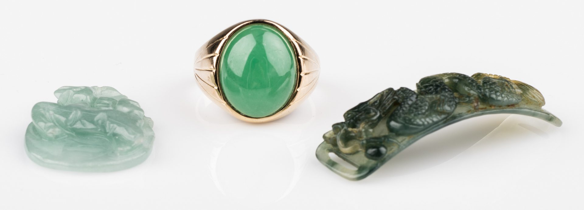 Lot 660: 18K Apple Green Jade Ring + 2 Plaques