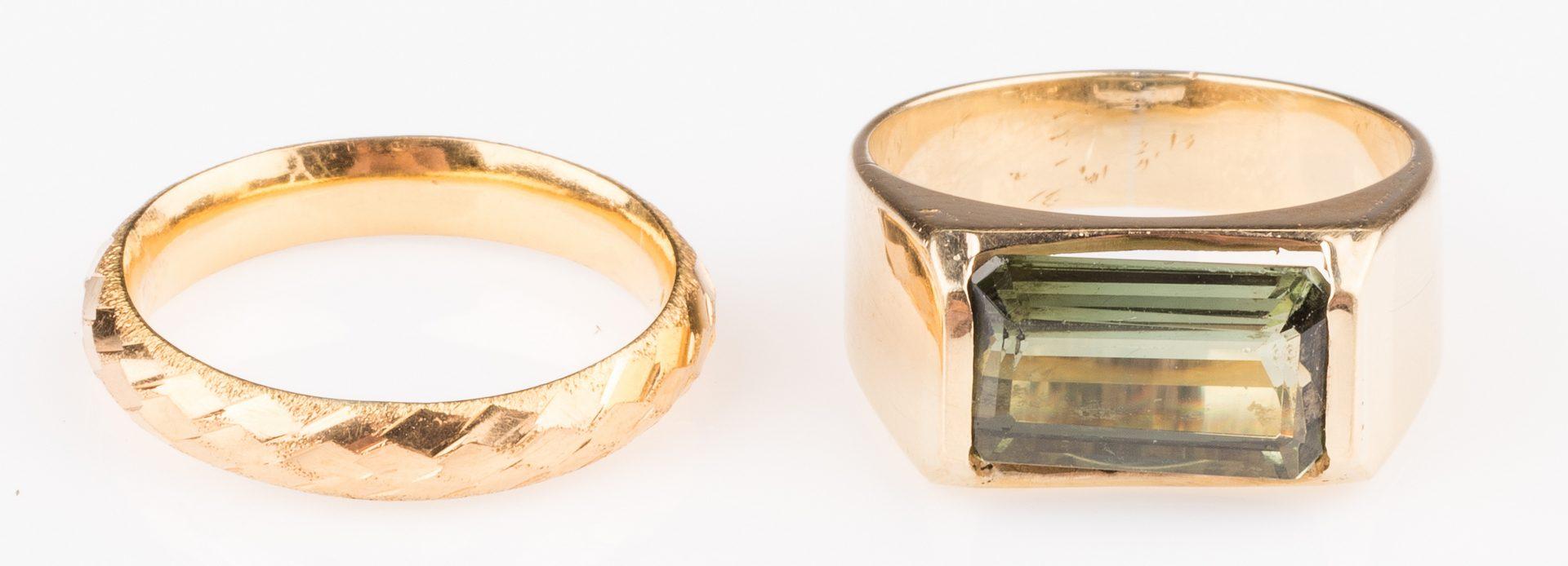 Lot 676: 18K Peridot Ring & 22K Band