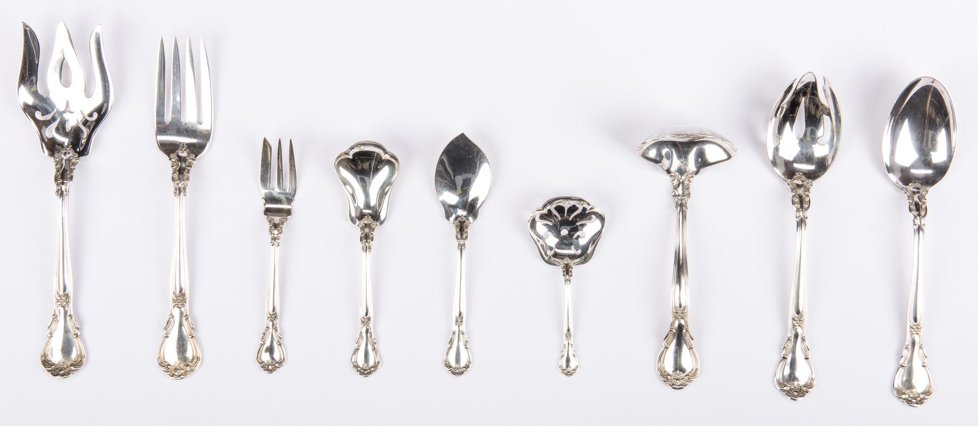 Lot 73: Gorham Chantilly Flatware Set, 93 pcs