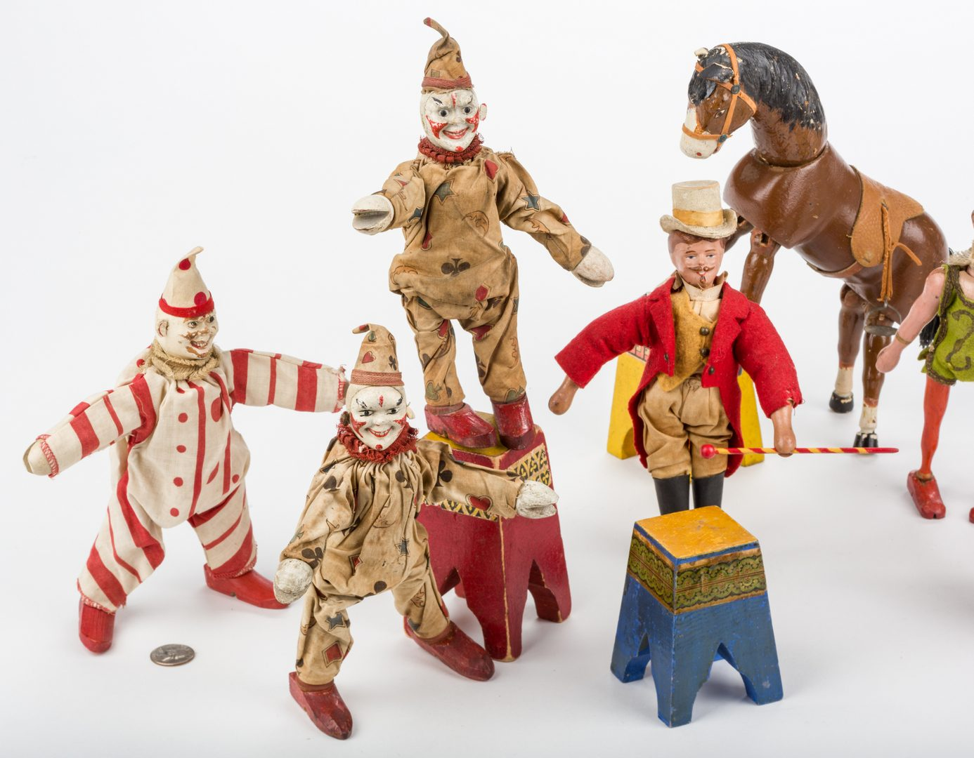 Lot 821: Schoenhut Circus Figures, Animals, & Accessories, 21 pcs