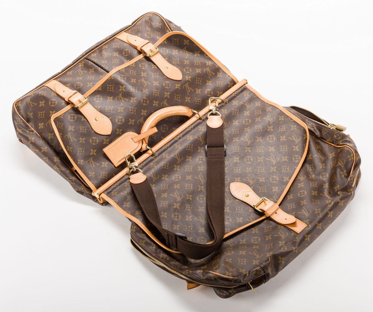 Lot 833: Louis Vuitton Monogram Canvas Hunting Satchel