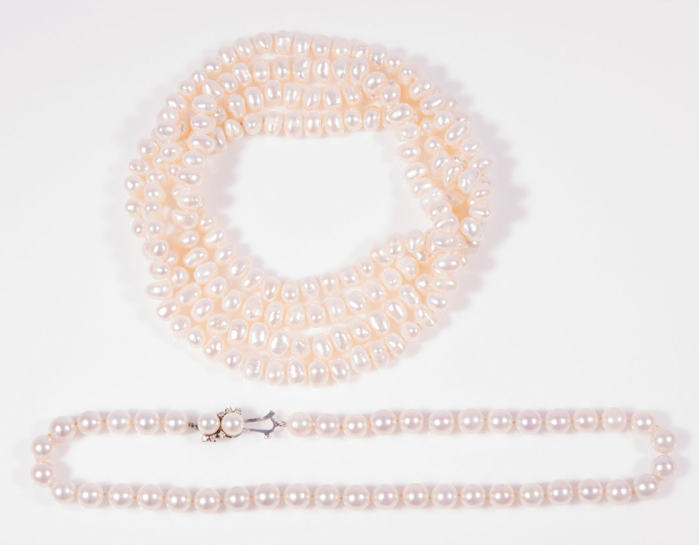 Lot 134: 2 strands Pearl Necklaces