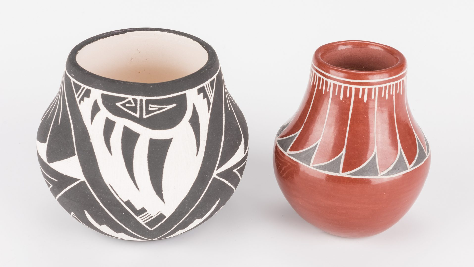 Lot 237: 2 Small Southwestern Pots and 2 Baskets