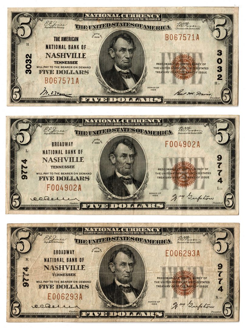 Lot 74: Three 1929 TN $5 Brown Seal National Currency Note