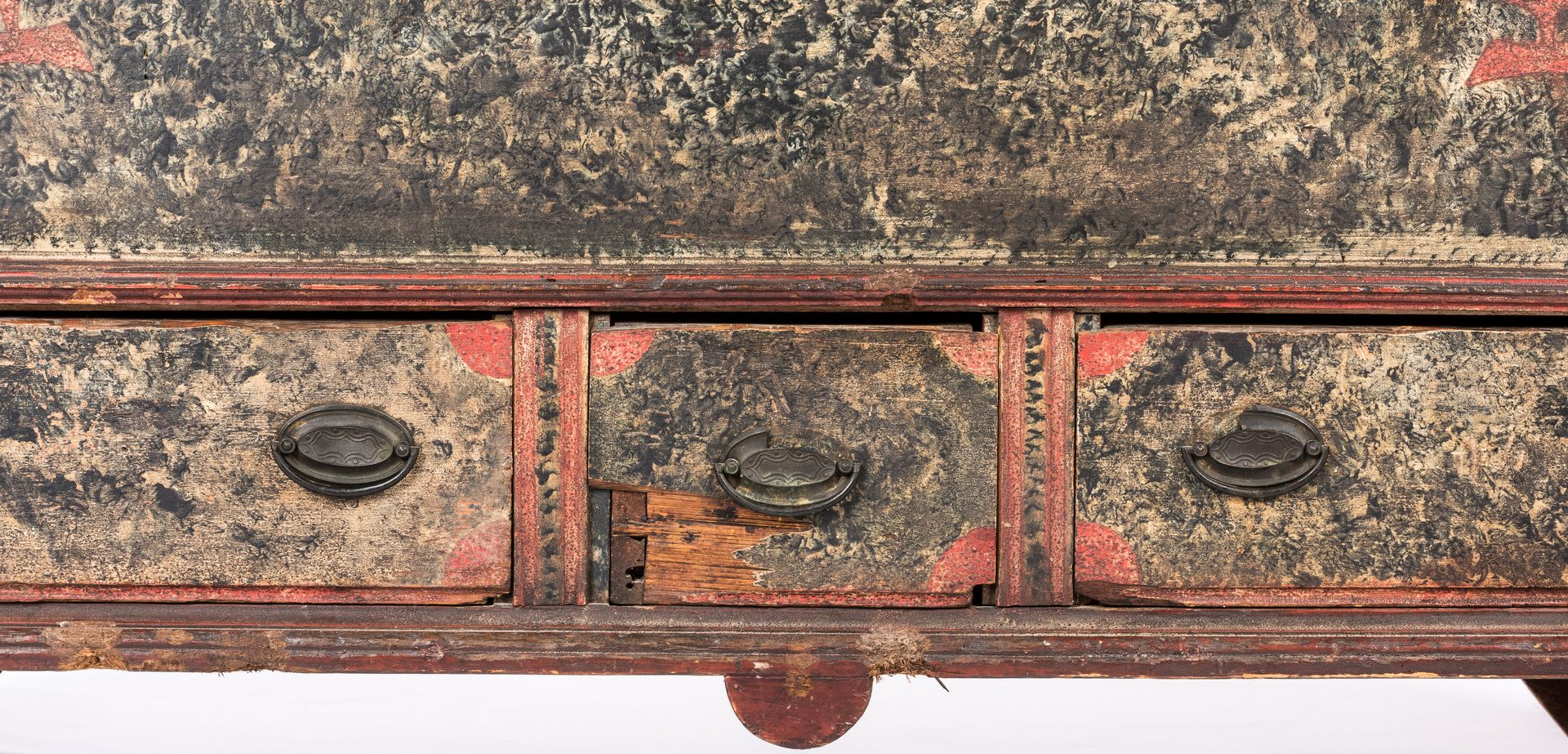 Lot 149: PA Sponge Painted Dower Chest