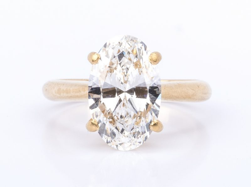 Lot 53: 3.13 ct Oval Brilliant Diamond, GIA Report