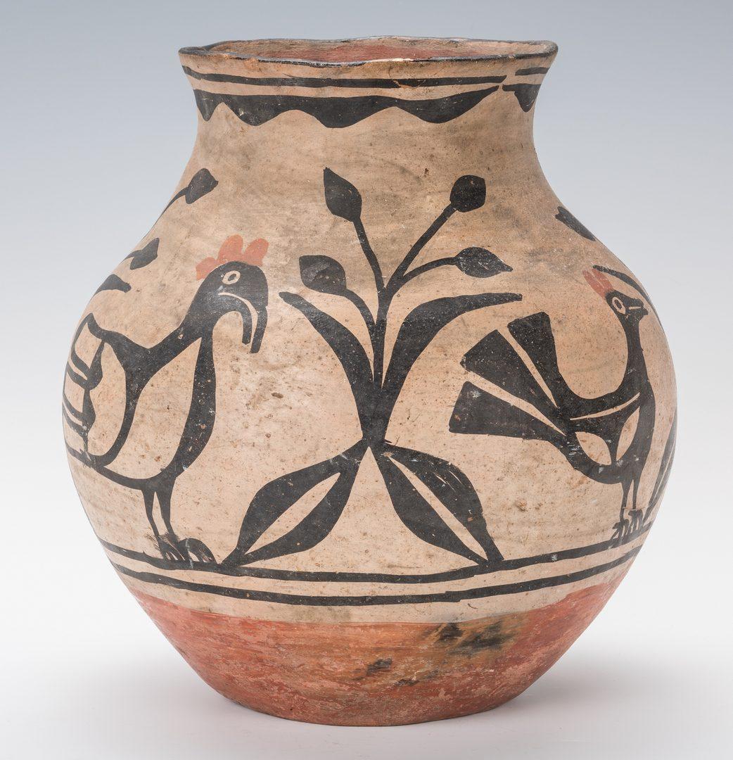Lot 675: Southwestern Santo Domingo Pueblo Pottery Olla