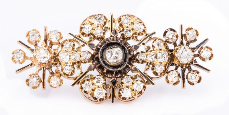 Lot 683: Victorian Gold Diamond Snowflake Pin