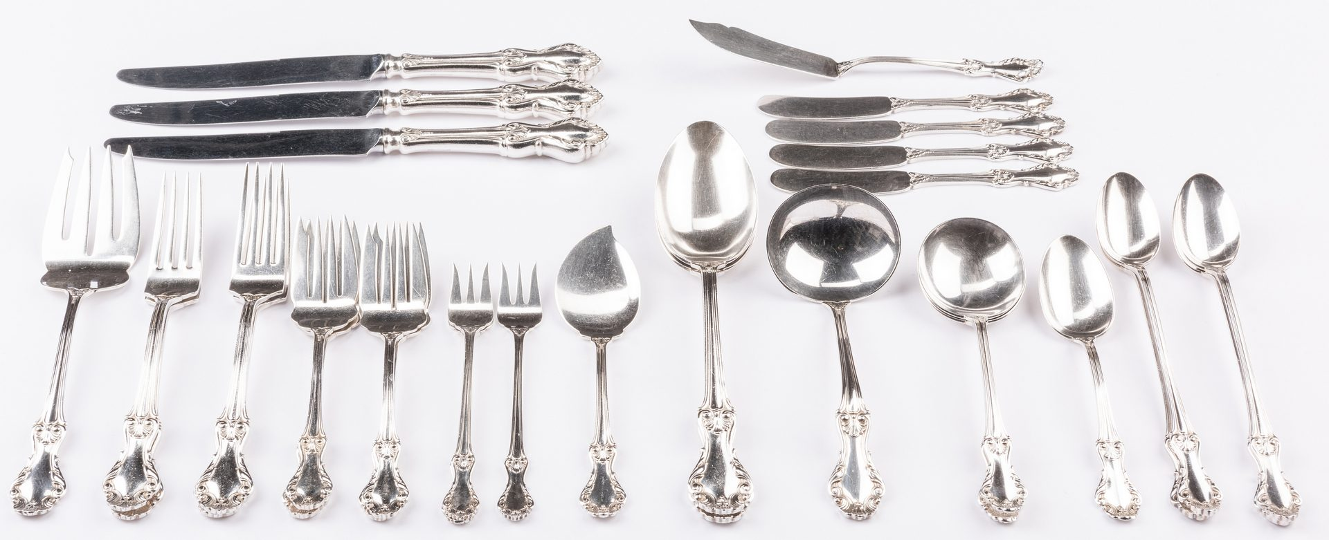 Lot 694: Whiting/Concord Georgian Shell Sterling Flatware, 31 pcs.