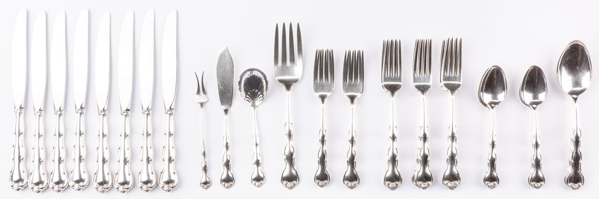 Lot 695: Gorham Rondo Pattern Sterling Flatware, 40 pcs