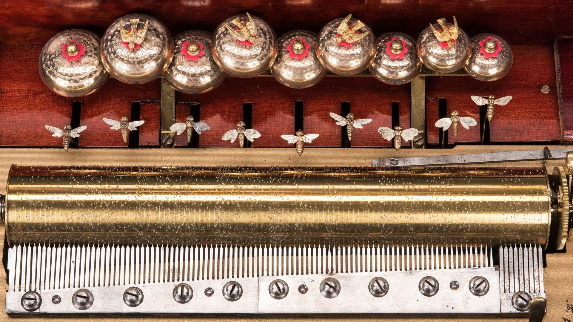 Lot 787: 9 Bell Swiss Cylinder Music Box