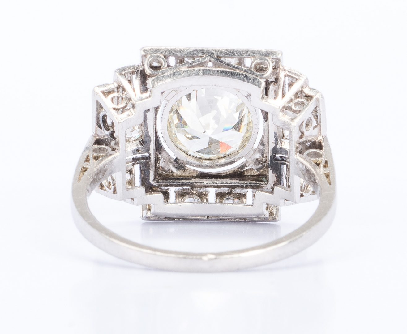 Lot 26: Art Deco Plat Diamond Ring, 1.42 ctw