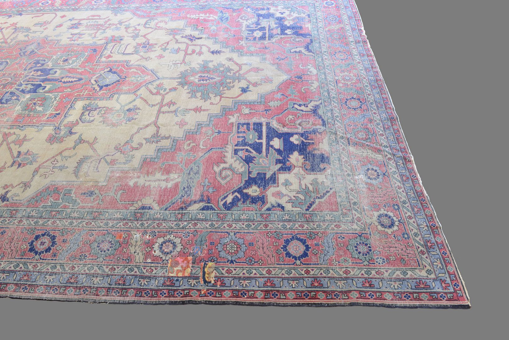 "Lot 651: Antique Isparta Serapi style Carpet, 21'6"" x 12'6"""