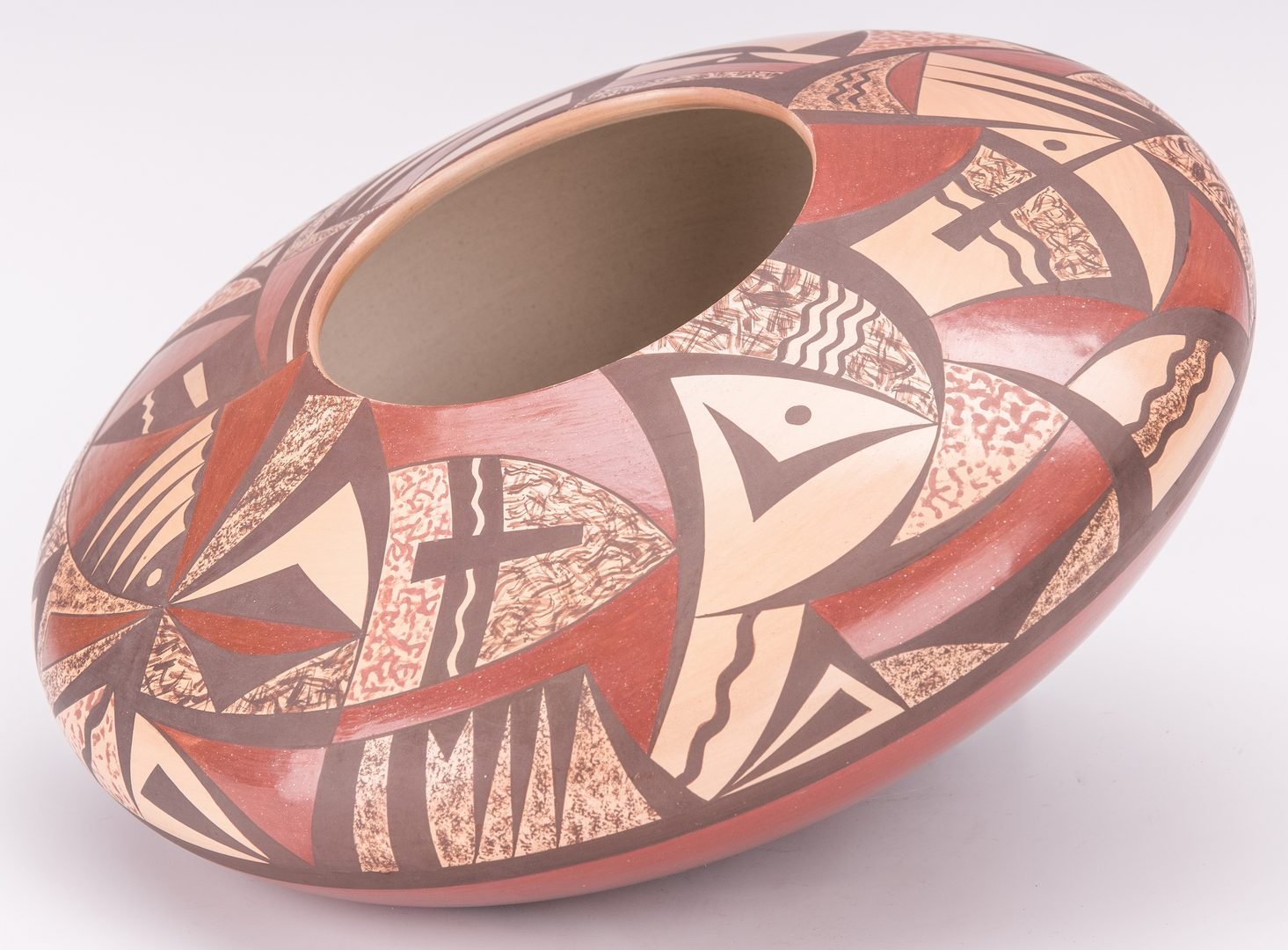 Lot 696: Steven Lucas Hopi Pottery Jar