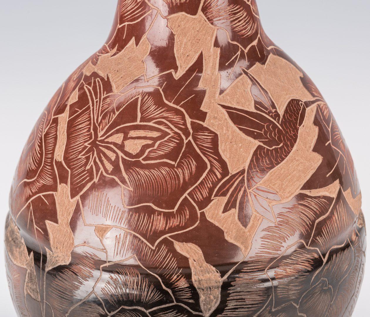 Lot 702: 2 Gwen Tafoya Santa Clara Pottery Pcs.