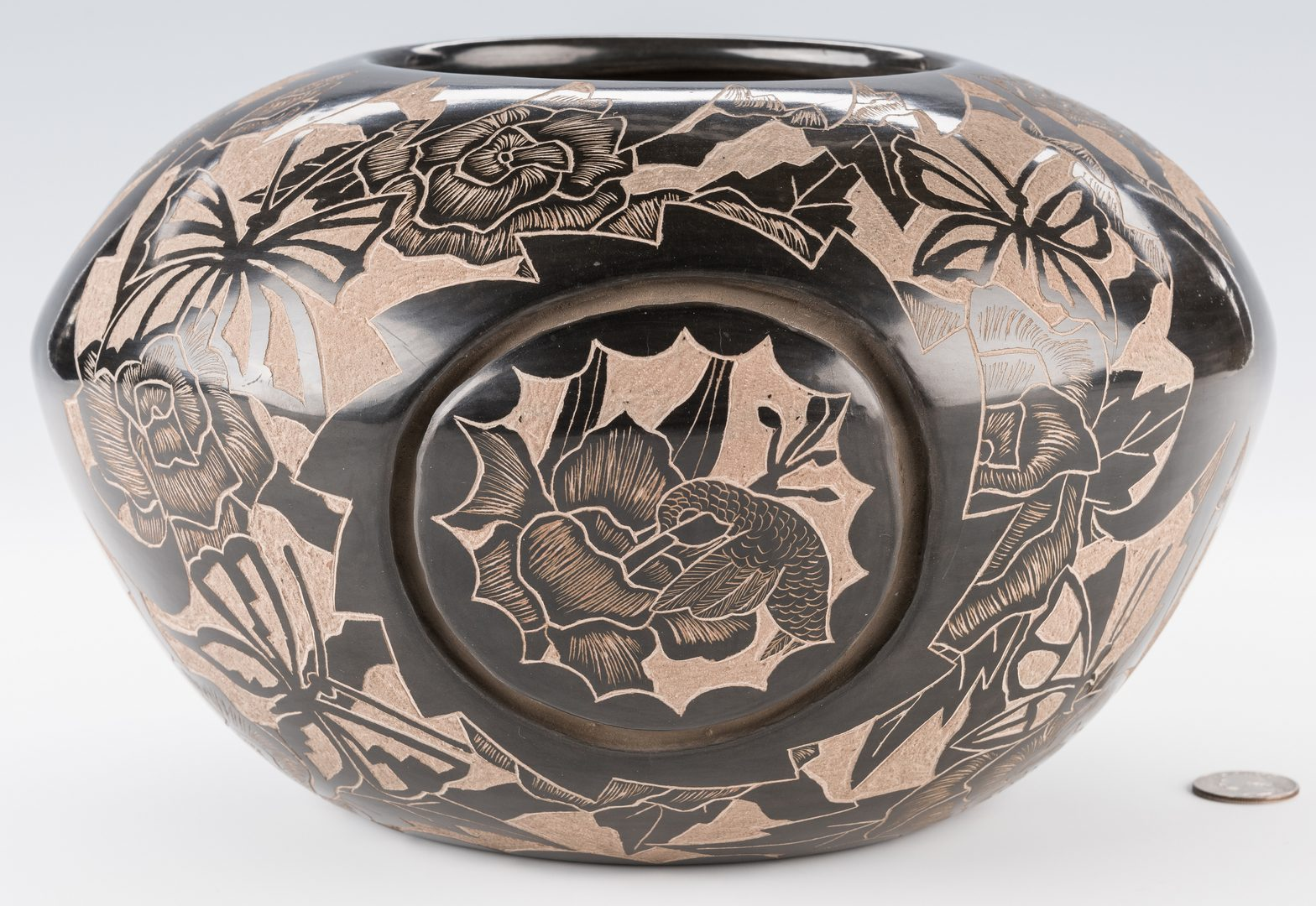 Lot 703: 2 Gwen Tafoya Santa Clara Blackware Jars
