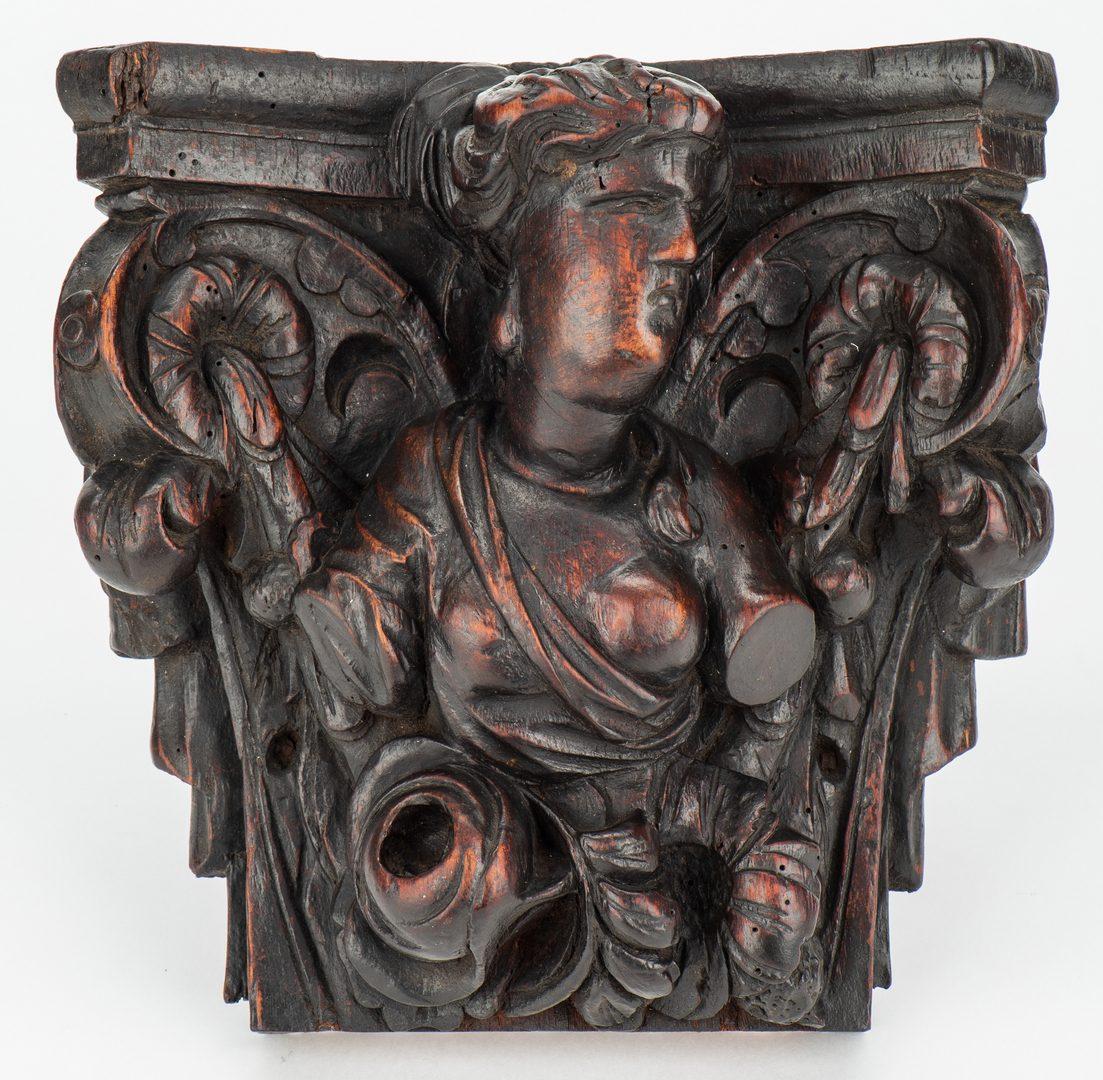 Lot 137: Pr. Baroque Figural Brackets & Santos, 3 items